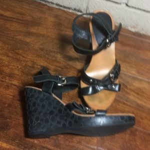 COACH Elize Black Wedge Sandals Sz 6 monogram 4""